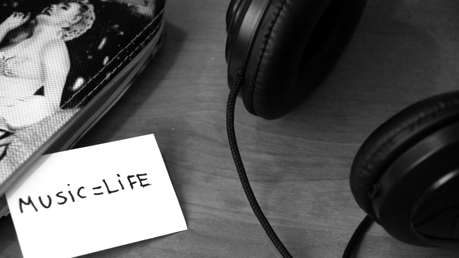 Ders Çalışırken Dinleyebileceğiniz 6 Rahatlatıcı Müzik