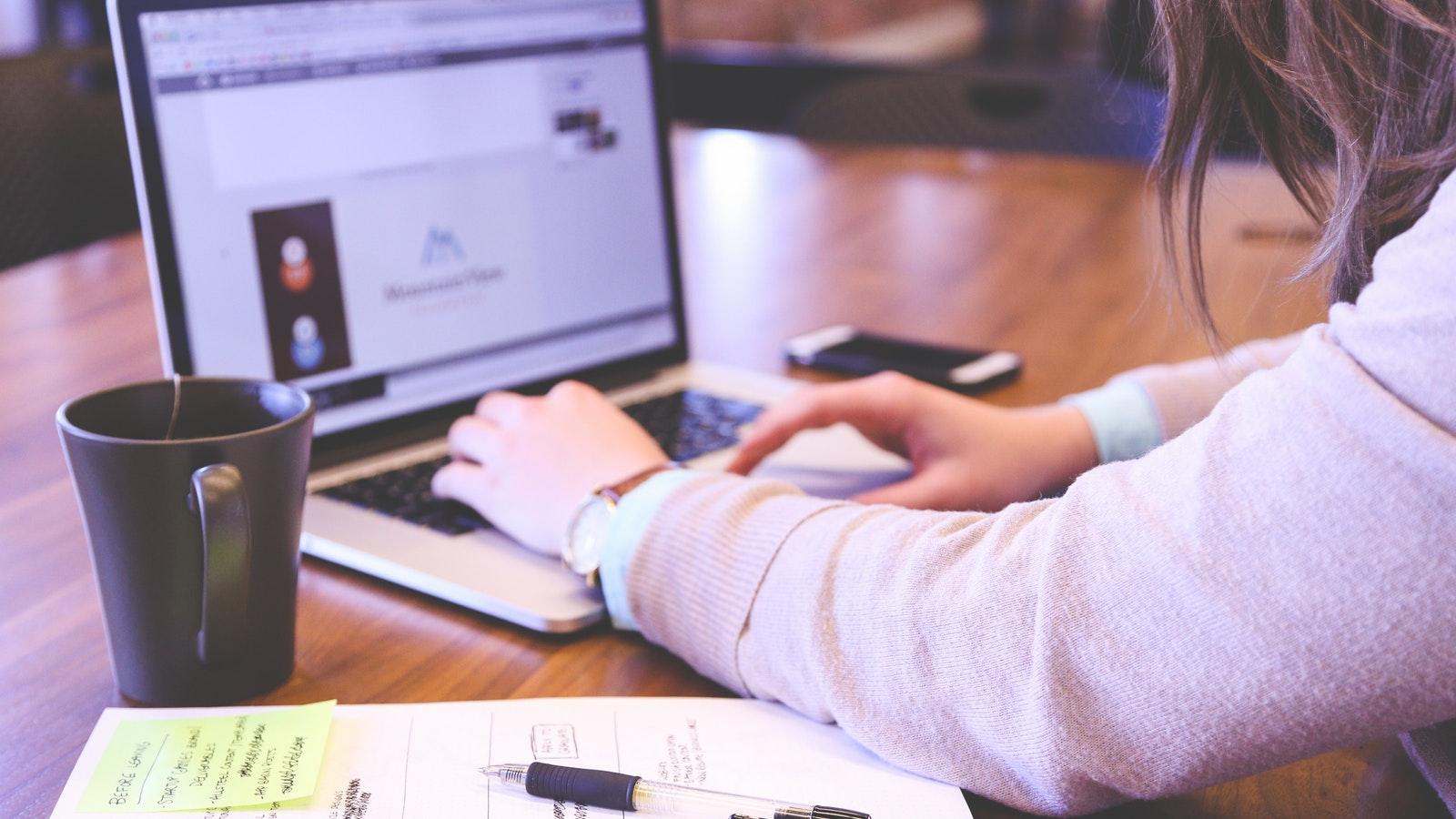 Sınıfınızın Gerisinde Olduğunuzu Hissettiğinizde Size Yardımcı Olabilecek 5 Madde!